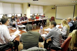 El IB-Salut pretende dejar a 5.000 trabajadores sin representación sindical