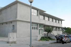 El Ib-Salut reclama al Ajuntament el sueldo de un auxiliar del centro de salud