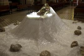 Amics del Patrimoni traslada su Llit de la Mare de Déu a la iglesia dels Sagrats Cors