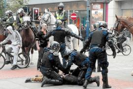 La policía británica anuncia 1.094 detenciones tras la muerte de otras tres personas