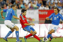 Italia tumba a España en un amistoso marcado por el estreno del azulgrana Thiago