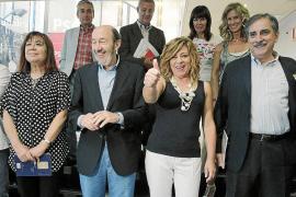 El Gobierno estudia prorrogar la ayuda de 400 euros tras pedirlo Rubalcaba