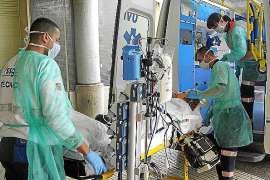 Salut pondrá a disposición de los pacientes 32 billetes de avión diarios