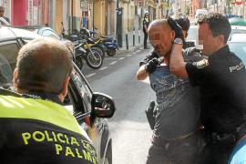 Detenido un hombre que caminaba por la avenida Argentina con una pistola en la mano