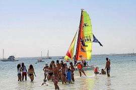 La primera estación náutica de la Isla agradece al mar su potencial turístico