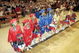 Bailes y ofrendas florales para Santa Càndida