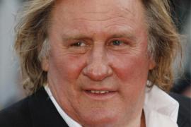 Gérard Depardieu orina ebrio en el pasillo de un avión