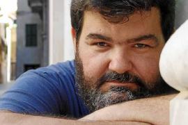 """Sebastià Bennàssar: """"La novela negra es novela social, al menos yo la concibo así"""""""