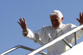 El Papa critica la eutanasia y el aborto ante miles de jóvenes