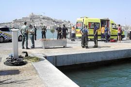 Una mujer y dos niños resultan heridos al deflagrar el motor de una lancha en Eivissa