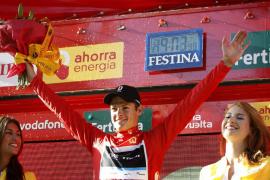 El danés Jakob Fuglsang estrena el maillot rojo