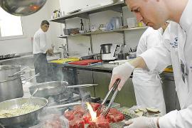 El sector de la hostelería es el que acumula más trabajadores 'quemados' en Balears