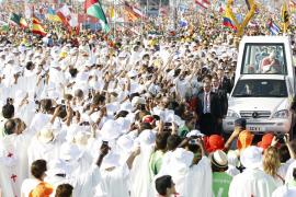 Emotiva despedida papal de España