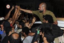 Los rebeldes toman la residencia de Gadafi en Trípoli