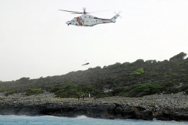 Preocupación ante la sucesión de bañistas heridos al saltar desde Cala Varques