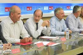Rubalcaba reprocha a ZP que no consultara con el partido la reforma de la Constitución