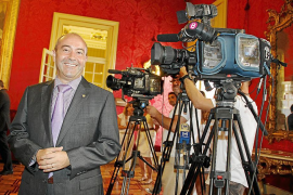Gómez seguirá al frente de IB3 y elegirá un equipo al gusto del PP para controlar los informativos