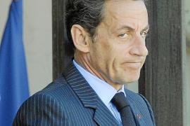 La exjuez del 'caso Bettencourt' acusa a Sarkozy de recibir dinero negro