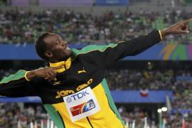 Bolt clausura los campeonatos con récord mundial de 4x100
