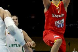 La selección juega como los ángeles y pasa por encima de Lituania