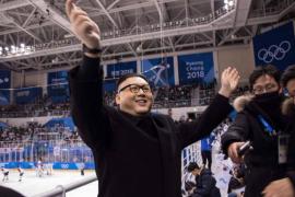 Un falso Kim Jong-un la lía en un partido de hockey sobre hielo