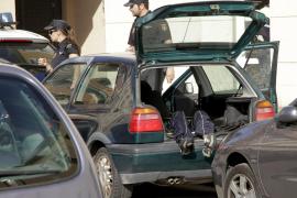Encuentran el cadáver de un hombre en un coche en La Soledat