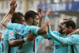 El Barcelona sufre, pero vence al Eibar