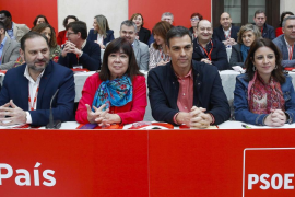 Pedro Sánchez saca adelante su nuevo modelo de PSOE con el reto de ganar en 2019