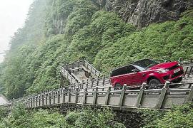 El Range Rover Sport PHEV en 'La Puerta del Cielo'