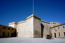 Jornada de puertas abiertas del Castell Sant Carles por el Dia de les Illes Balears