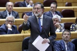 Rajoy pide a ERC dejar de pensar en Puigdemont y desbloquear la investidura
