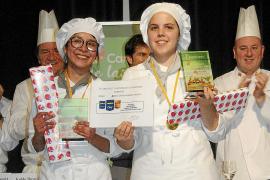 Cristina Llorens y Ángela López, ganadoras del II Campeonato de Verduras de las Escuelas de Cocina Baleares