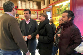Company y Durán inician una ruta por los barrios de Palma para «poner la política donde debe estar»