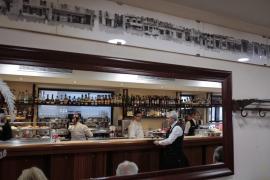 La ganadora de un concurso del Bar Bosch y su acompañante podrán comer este viernes «todas las 'langostas' que deseen»