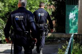Un hombre acusado de malos tratos golpea intencionadamente el coche de su exmujer en Palma