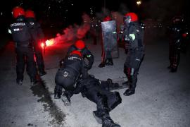 Fallece un ertzaina durante los altercados en San Mamés