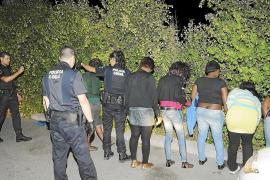 La policía detiene a 18 prostitutas en una gran redada nocturna en Magaluf y Santa Ponça