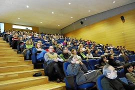 Los profesores asociados dan el 29 % de las horas de docencia en la UIB