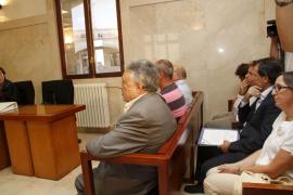 Un constructor asegura por sorpresa en pleno juicio que pagó un soborno a Gibert para legalizar una obra