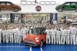 Sale de la factoría el Fiat 500L número 500.000