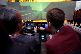 Seat se asoma al futuro de la movilidad inteligente con X Moba