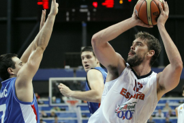 España cumple ante Serbia con nota (84-59)