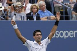 Djokovic remonta un partido imposible a Federer y se cuela en la final