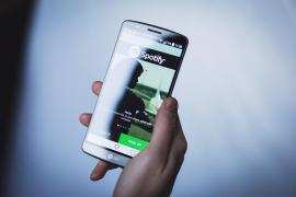 Un usuario de Spotify creó 1.200 cuentas falsas para enriquecerse con los beneficios de las canciones