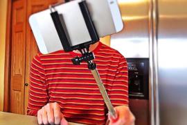 Uno de cada diez españoles que recurren a la cirugía plástica lo hace influido por los selfies