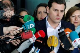 Rivera urge al Gobierno a recurrir ante el TC la resolución del Parlament