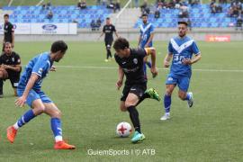 El Atlético Baleares, goleado en Badalona, sigue en caída libre