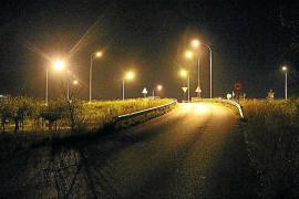 Medi Ambient choca con la negativa del Consell al pedir menos luz en las rotondas