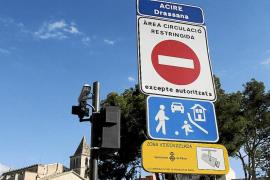 Cort multará a los vehículos sin permiso captados por las cámaras de Atarazanas