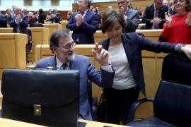 Rajoy recibirá en Moncloa a las camareras de piso y rechaza la huelga a la japonesa